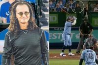 Geddy Lee is Alive & Well